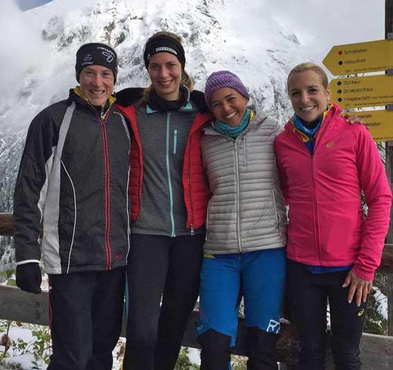 "Das LG-Berglauf-Quartett im ""Winterdress"" (v. li.) Kathrin Bründl, Elena Lindt, Sybille Bittmann und Sabrina Prager"
